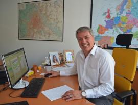 Peter Jaksch Schreibtisch k