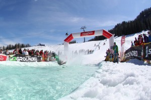 Beim Waterslide Contest,  Copyright: nassfeld.at, Abdruck honorarfrei